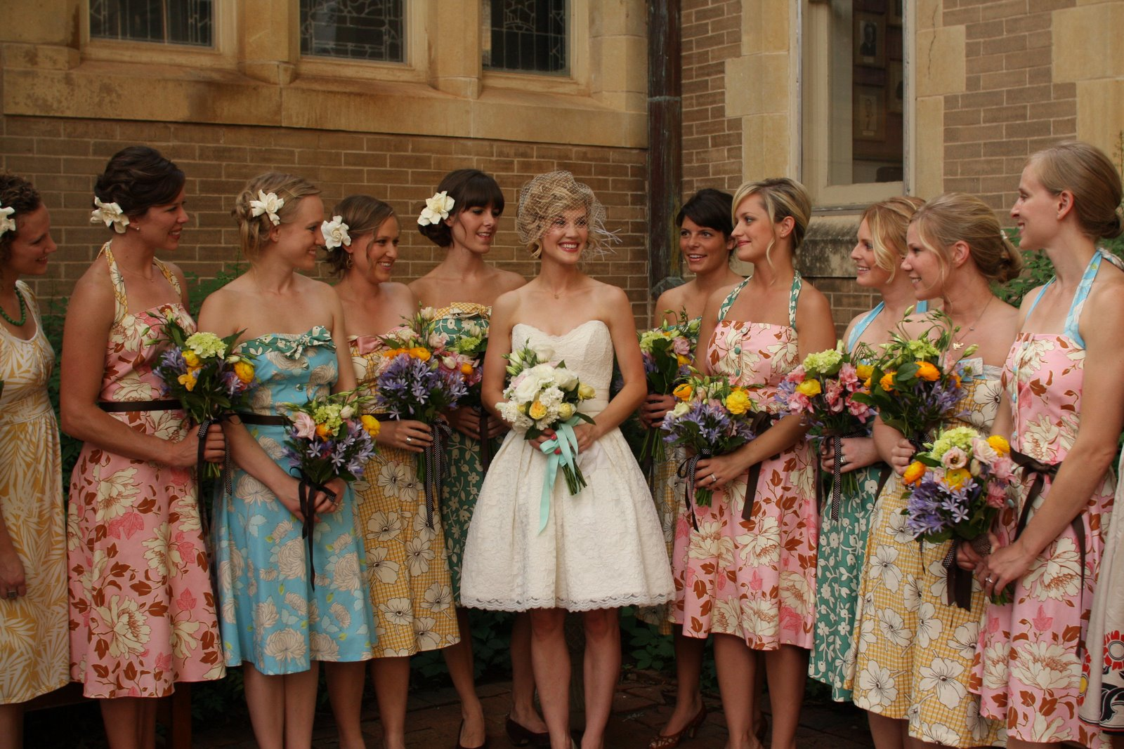Floral bridesmaids dresses glitter inc for Tenue shabby chic